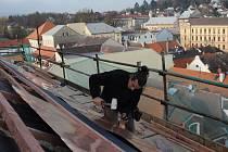 NOVOU STŘECHU instalovala odborná firma ze Kdyně.