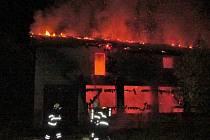 Při požáru objektu zemřel člověk.