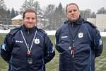 Současný trenér Jiskry Domažlice Radek Kronďák (na snímku vpravo) vedl předchozích šestnáct let Loko Vltavín, sobotního soupeře Chodů.