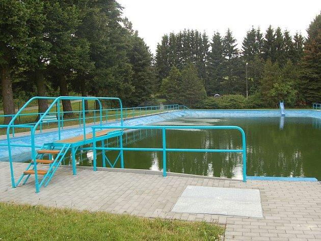 Koupaliště v Němčicích u Kdyně.
