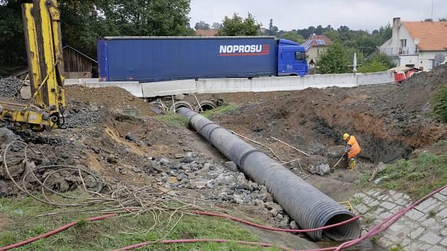 Oprava mostu v Horšovském Týně.