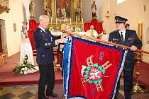 Slavnostní předání bylo spojeno s oslavou svatého Floriána.