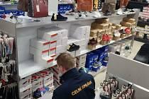 Padělky značkového zboží skončí ve skladech Celní správy a bude zlikvidováno.