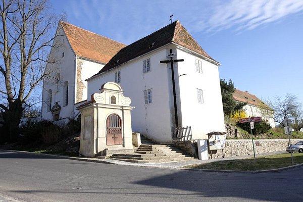 Kapucínský klášter vHoršovském Týně.