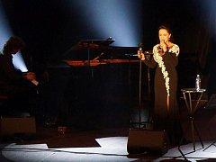 Zpěvačka Lucie Bílá ve středu večer vystoupila v Domažlicích.