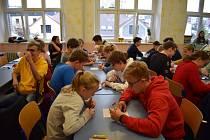 Rovných 17 týmů se 13. 11. 2019 zúčastnilo oblastního turnaje na Gymnáziu J. Š. Baara v Domažlicích.