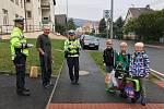 Policisté dohlíželi na silniční provoz před školou v Klenčí.