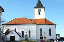 Kostel sv. Michaela Archanděla ve Všerubech.