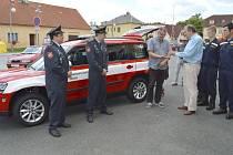 Domažličtí dobrovolní hasiči dostali nový vůz.