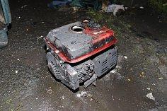 Elektrocentrála, která zapříčinila úterní požár bytu v Nemanicích a následné popálení muže.