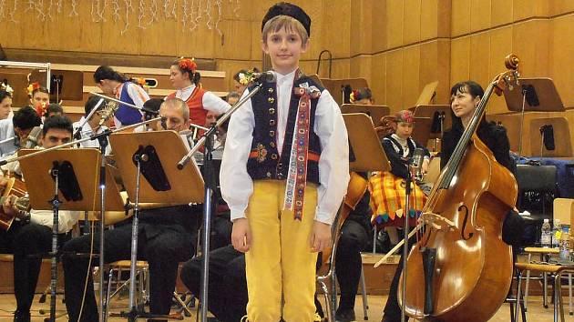 Patrik Hradecký  z Domažlic  při vystoupení na galakoncertu mladých talentů v Sofii.