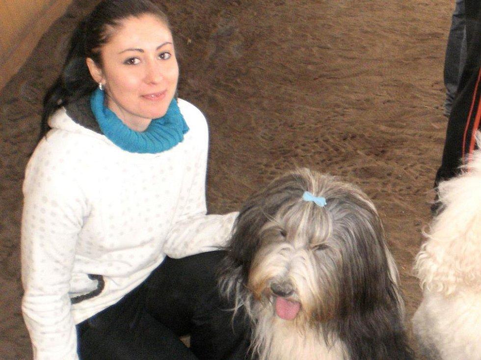 Alena Kolářová s Najbym jezdí po závodech od jara do podzimu téměř každý víkend.