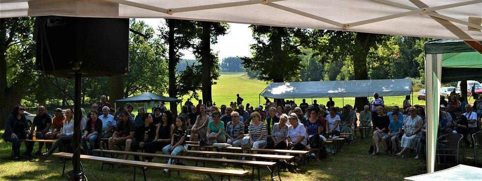 Na sobotní Odpoledne s Janem ze Šitboře dorazily asi dvě stovky lidí.  Foto: archiv J. Stočese