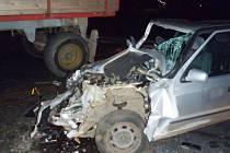 Při nehodě u Meclova se v úterý večer zranilo několik lidí.