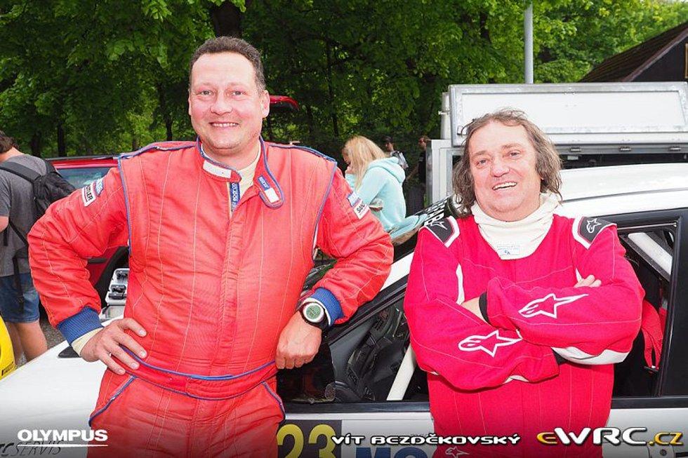 Petr Dufek (vlevo) se svým současným jezdcem Marcelem Tučkem.