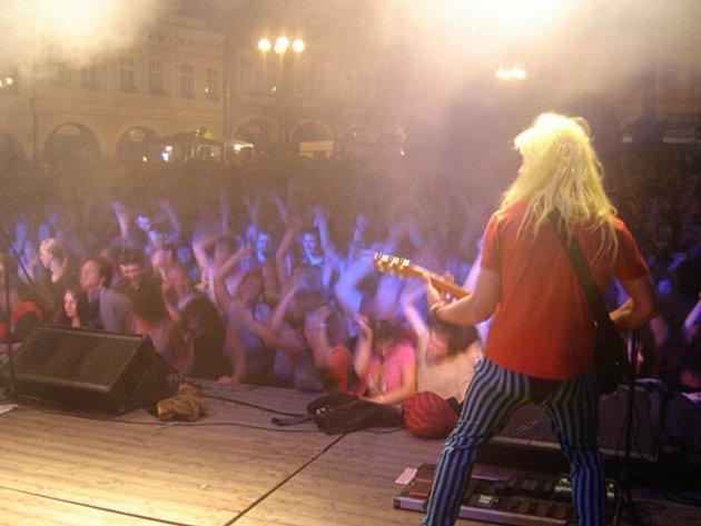 Kapela Wohnout a její fanoušci v akci