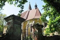 Kostel sv. Vavřince v Tasnovicích.