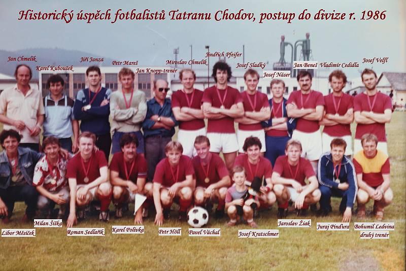 Fotbalisté Tatran Chodov postoupili v roce 1986 do divize.