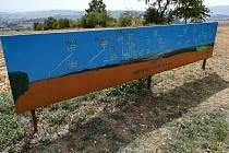 Turisté opravovali panoramata na Baldově.