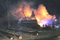 Požár slámy v Tasnovicích.