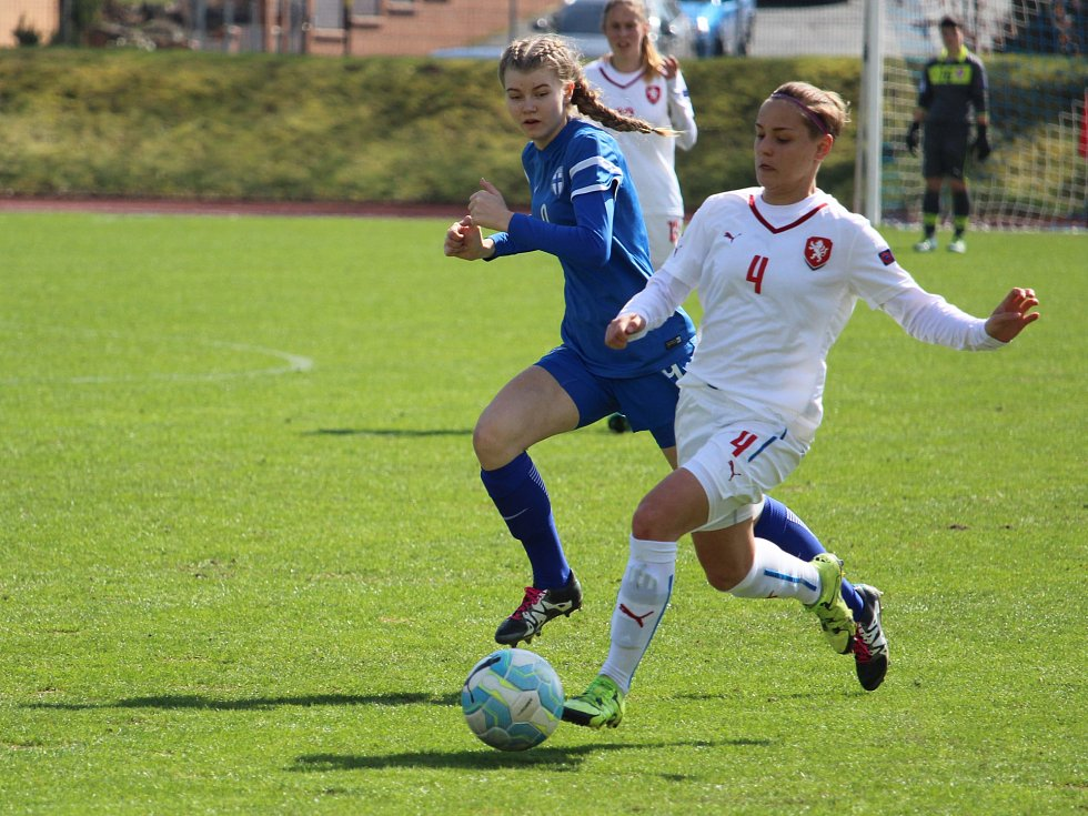 Ženská fotbalová reprezentace do 17 let porazila v generálce na blížící se Mistrovství Evropy žen do 17 let na domažlické Střelnici výběr Finska 5:0 a v sobotní odvetě 1:0