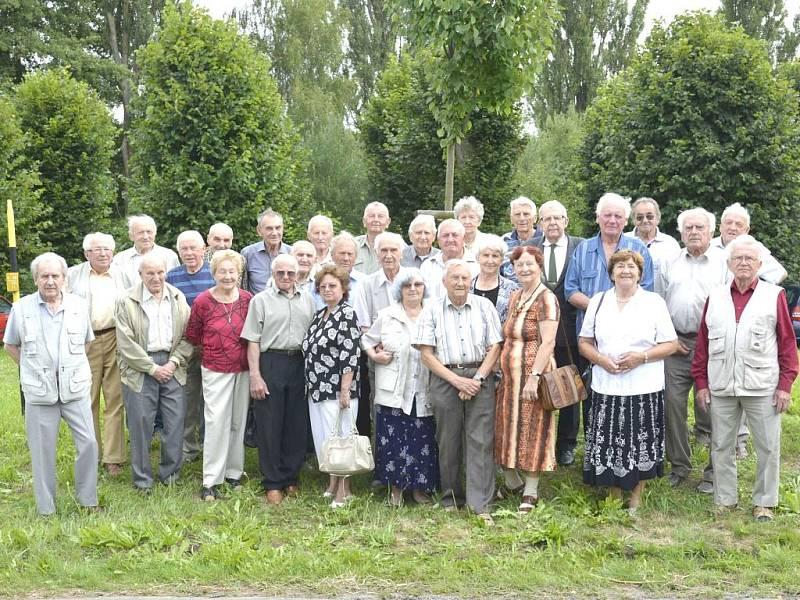 Setkání pétépáků 3. roty III. praporu Karviná v Chocomyšli.