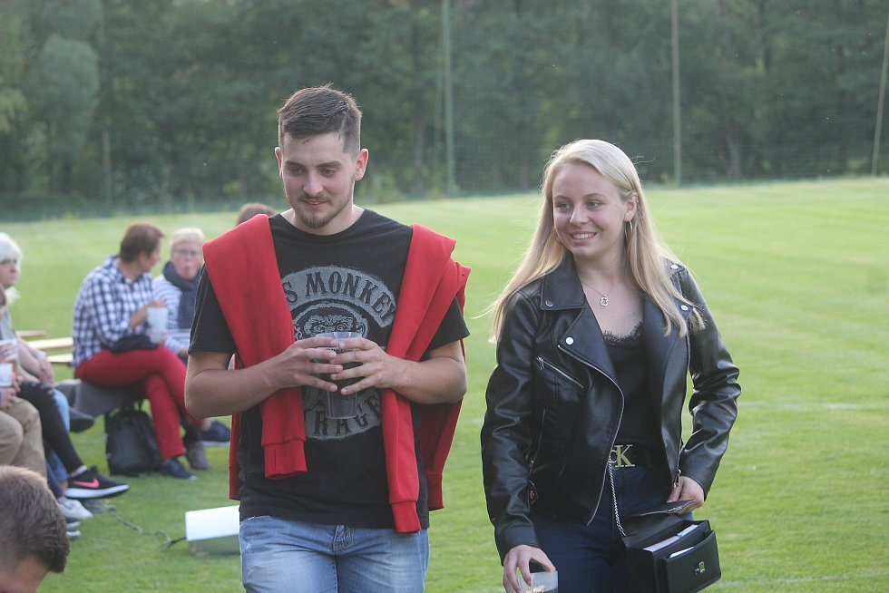 David Prachař exceloval ve hře trenér v autentickém prostředí přímo na fotbalovém hřišti v Únějovicích na Domažlicku.