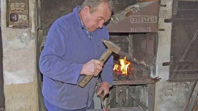 Václav Konopík, luženický kovář