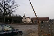 Bývalá pila v Nemanicích, kde by měla vyrůst drůbeží farma.