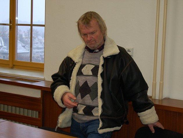 Rudolf Rejthar z Horšovského Týna před soudem.