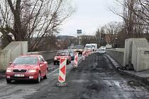 Oprava mostu v Holýšově.