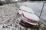 Muž bez řidičáku havaroval s tímto Peugeotem 306.
