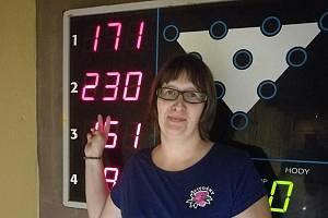Petra Märzová z Pivoněk dosáhla v utkání proti Pohodě na jedné z drah impozantního náhozu 230 bodů.