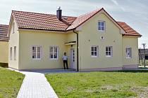 Budova nového Obecního úřadu v Močeradech.