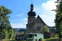 Baroko oživilo Pivoň, když zavítalo nejen ke zdi tamního kláštera.