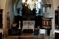 Interiér kostela sv. Víta v Mířkově.
