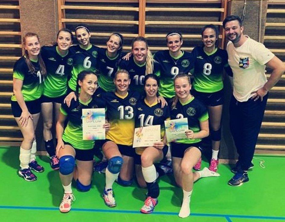 Ženy VK Volejbal Domažlice skončily na svém turnaji na druhém místě.