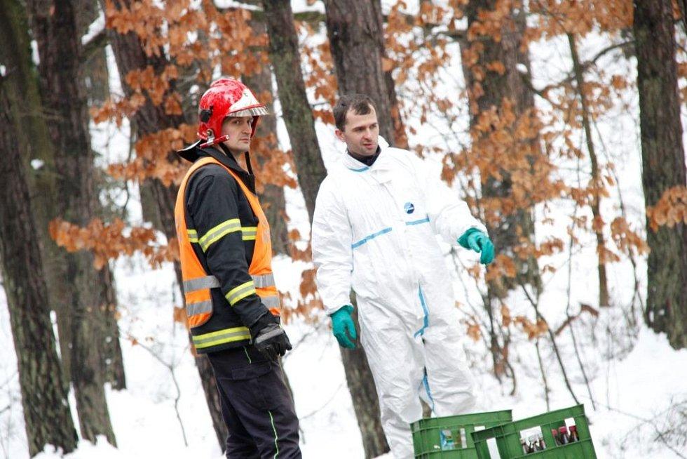 Havárie a únik kyseliny u Vidic.