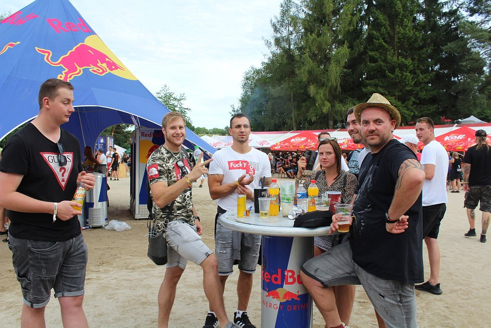 Chodrockfest 2019, druhý den. Nejvíce zazářila kapela Trautenberk.