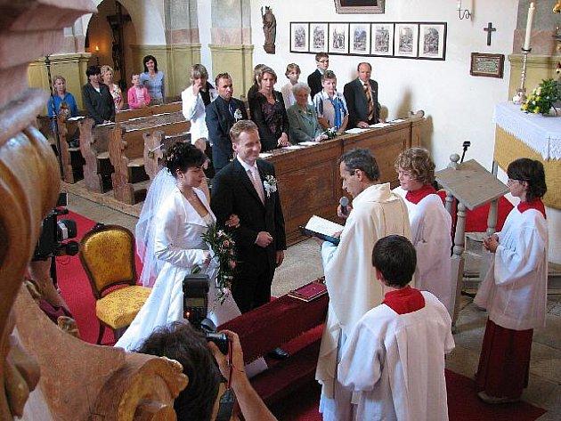 Svatební obřad lze mít i v kostele Všech Svatých v Horšově.