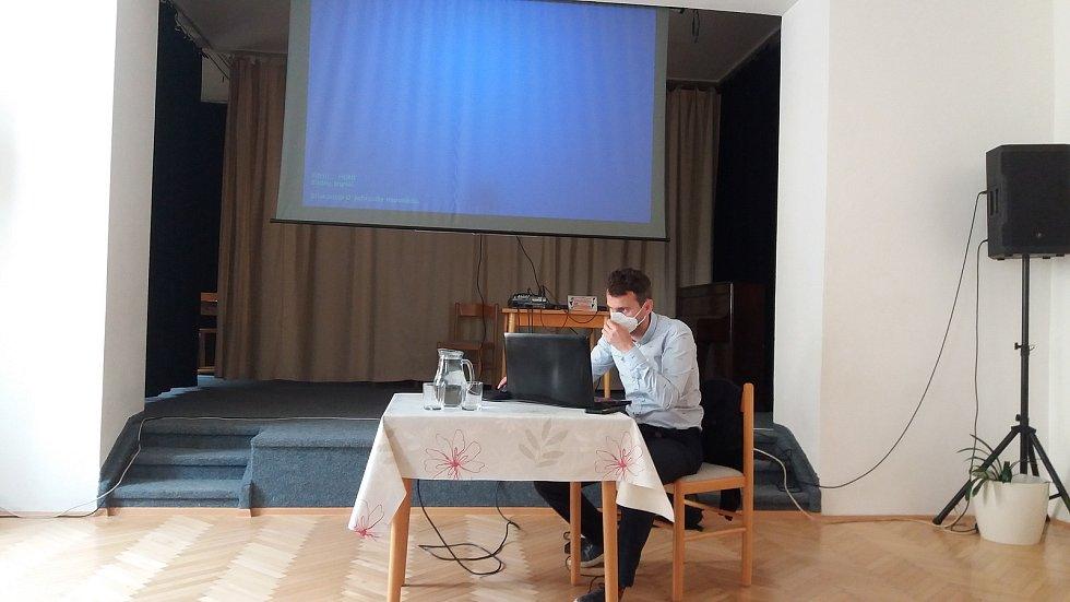 Prezentace o podobě městského koupaliště v Horšovském Týně.