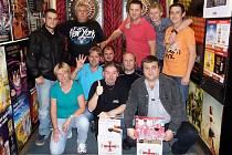 Snímek z šipkařského turnaje U Bočíse.