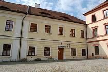 RESTAURACE v Chodském hradu je od května mimo provoz.