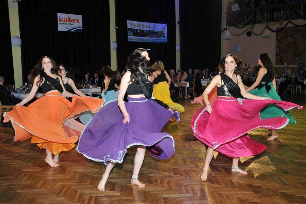 16. městský ples v Holýšově.