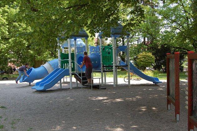 Hřiště v Hanově parku