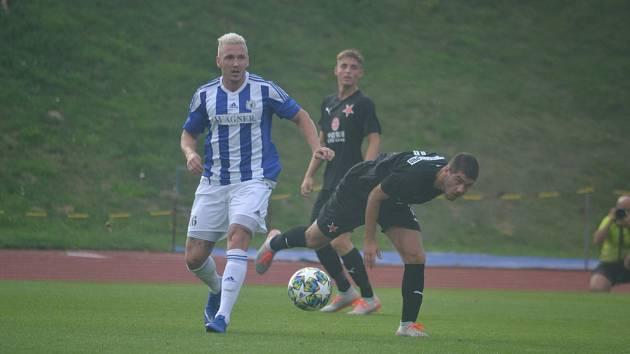 Po dvou posledních skvělých zápasech proti Slavii Praha B (4:3) a FK Ústí nad Labem (2:2) zajíždí o víkendu Jiskra Domažlice (modrobílý dres) ve čtvrtém kole ČFL do Rakovníka v roli favorita.