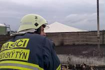 Požár v areálu bioplynové stanice v Sedleci u Poběžovic.