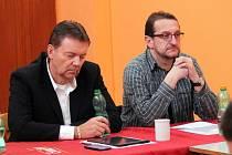 Milan Polák (na snímku vpravo) bude zastávat funkce předsedy OFS Domažlice za Karla Sladkého, který na vlastní žádost přerušil činnost.