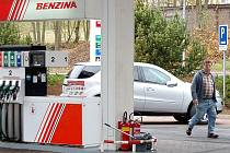 Cena benzínu vzrostla od  začátku roku téměř na všech čerpacích stanicích regionu.