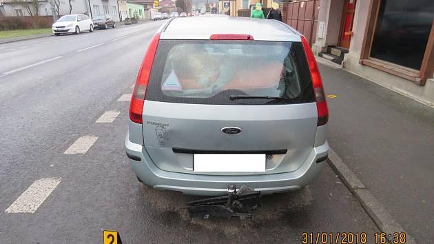 Dvě auta se střetla za přejezdem v Holýšově.